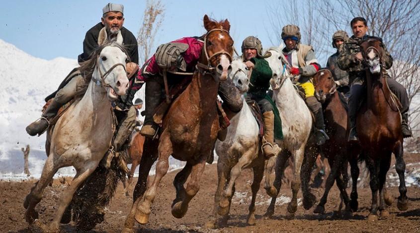 Купкари: национальное соревнование джигитов — фото 1