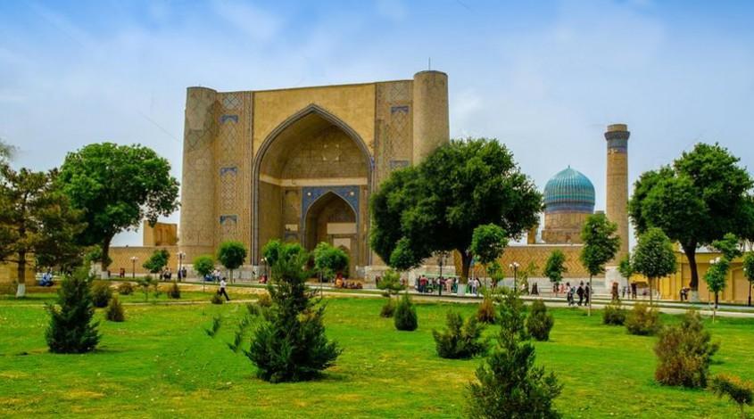 Bibi-Khanym mosque — photo 1