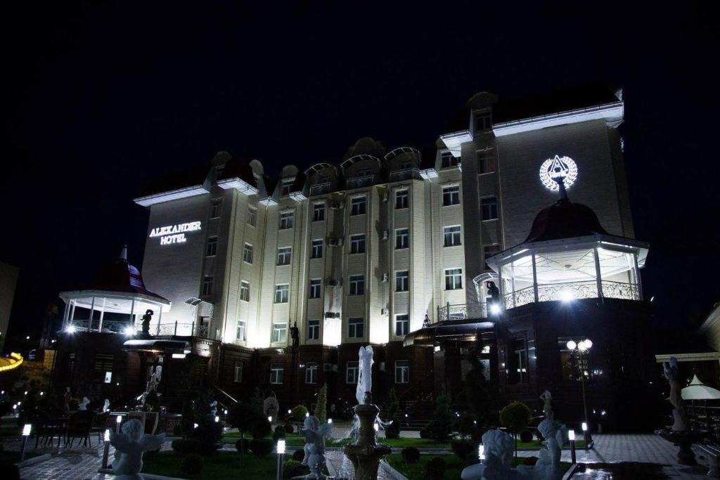 ALEXANDER HOTEL — photo 1