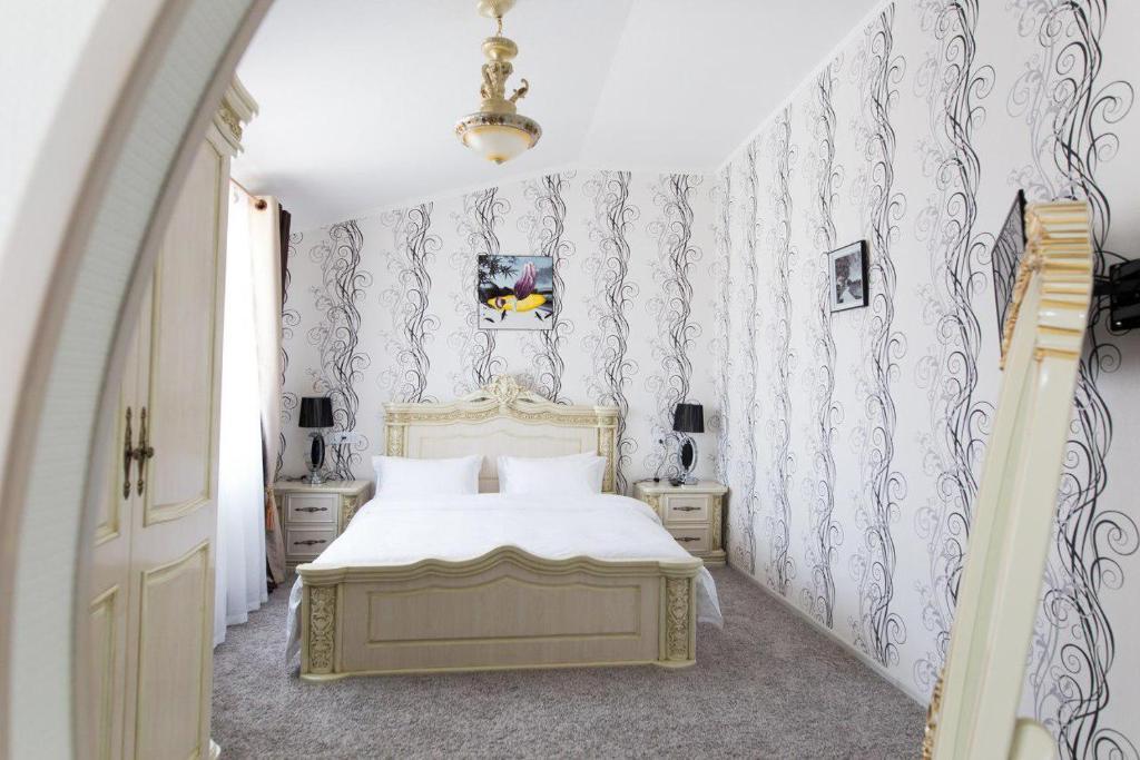 ALEXANDER HOTEL — photo 4
