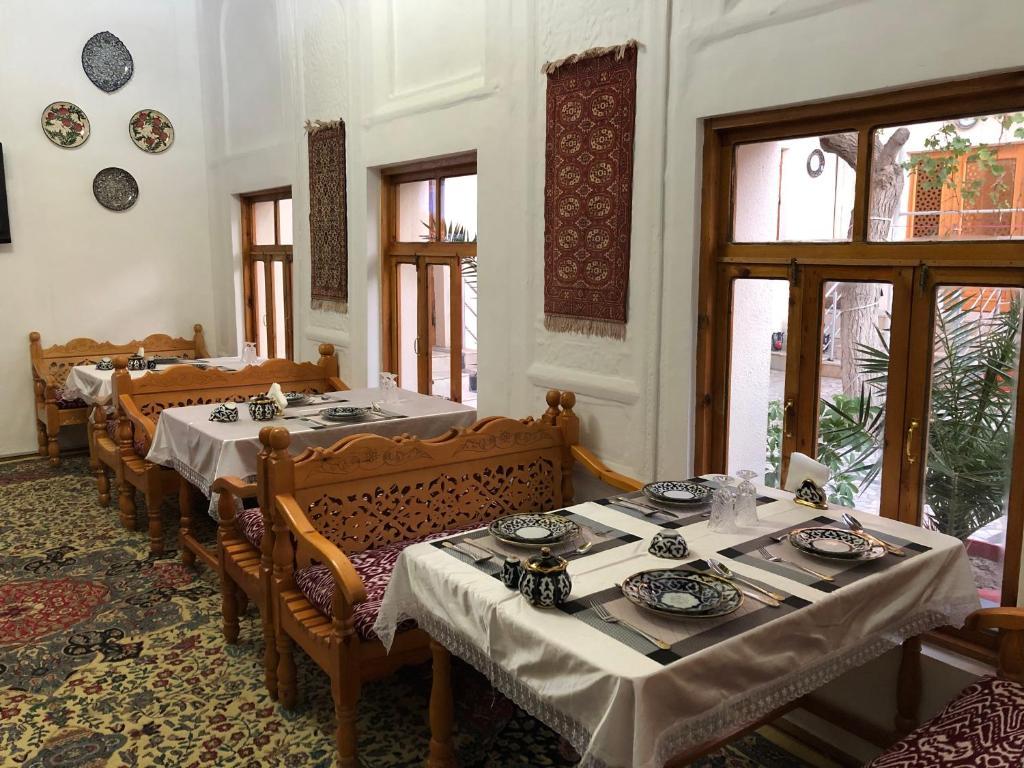 OLD BUKHARA BOUTIQUE — photo 7